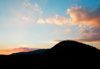 おもいで賞『夕焼けこやけで日が暮れて山のお寺の鐘が鳴る』